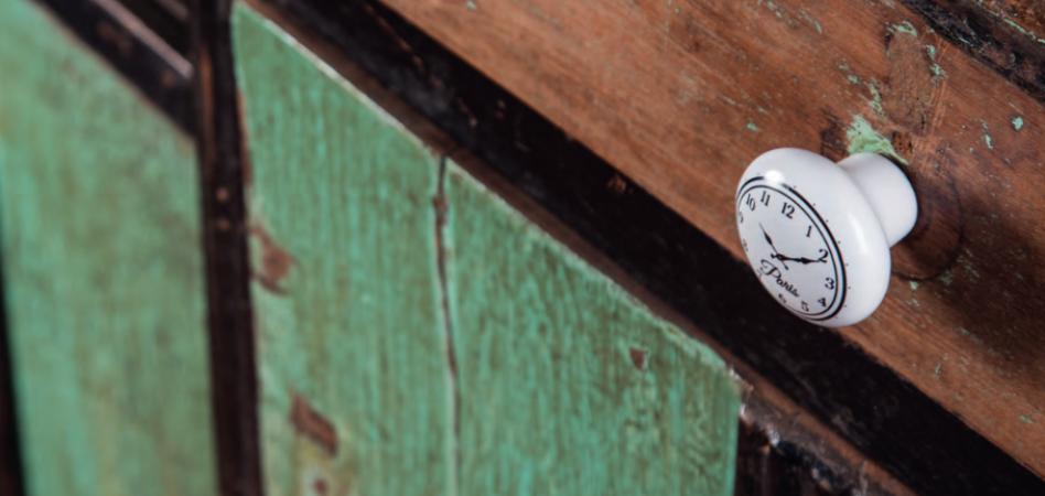 Optimiza el espacio de tus lineales de herrajes decorativos para madera